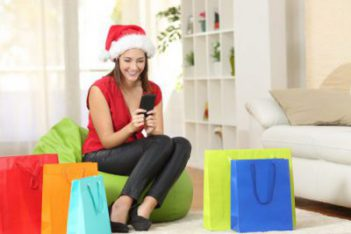Girl looking at free phone apps for shopping on Black Friday