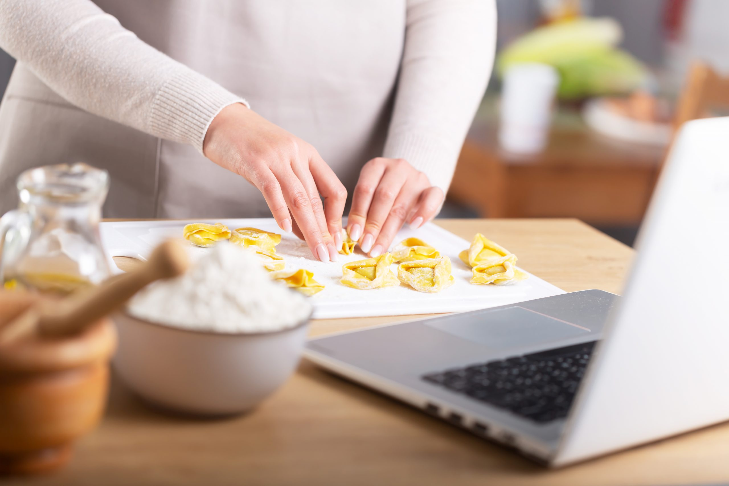 virtual cooking class, q link wireless is giving a free $100 visa gift card in a mother's day giveaway